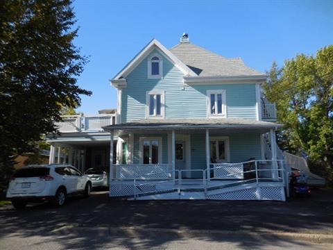 Immeuble à revenus à vendre à Trois-Pistoles, Bas-Saint-Laurent, 27 - 29, Rue  Père-Nouvel, 25849243 - Centris