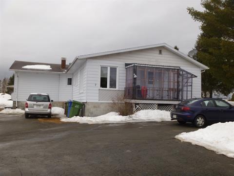 Triplex for sale in Disraeli - Ville, Chaudière-Appalaches, 7, Avenue  Champlain, 20434030 - Centris
