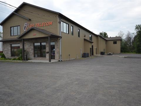 Bâtisse industrielle à vendre à Victoriaville, Centre-du-Québec, 120, Rue  J.-Aurèle-Roux, 16350661 - Centris
