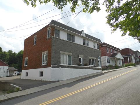 Triplex à vendre à Brownsburg-Chatham, Laurentides, 335 - 339, Rue  Principale, 27110756 - Centris