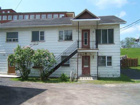 Triplex à vendre à Amqui, Bas-Saint-Laurent, 135, Rue  Desbiens, 14617044 - Centris