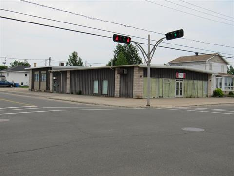 Bâtisse commerciale à vendre à Sept-Îles, Côte-Nord, 498, Avenue  Brochu, 19015358 - Centris