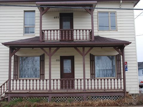 Duplex à vendre à Saint-Adelphe, Mauricie, 691 - 693, Rue  Principale, 26231940 - Centris