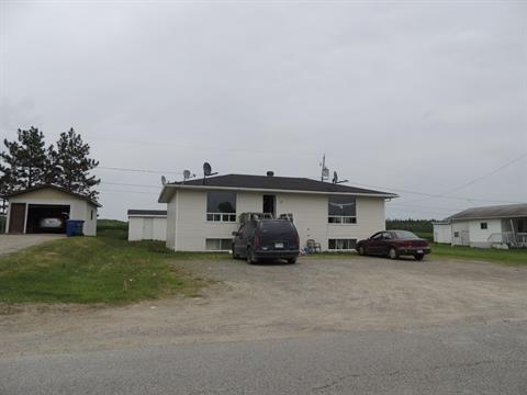 Triplex for sale in Béarn, Abitibi-Témiscamingue, 12, 3e Rue Sud, 26791749 - Centris