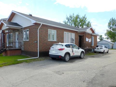 Triplex for sale in Lorrainville, Abitibi-Témiscamingue, 9, Rue de l'Église Sud, 11585606 - Centris