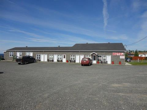 Bâtisse commerciale à vendre à Saint-Ulric, Bas-Saint-Laurent, 2680, Route  132 Est, 15192483 - Centris