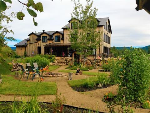 Hobby farm for sale in Saint-Tite-des-Caps, Capitale-Nationale, 506, Avenue  Royale, 28034739 - Centris