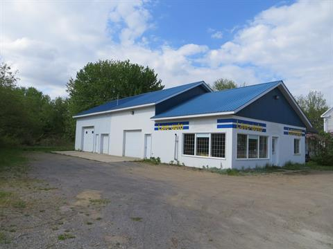 Commercial building for sale in Yamachiche, Mauricie, 751, Rue  Sainte-Anne, 13979766 - Centris