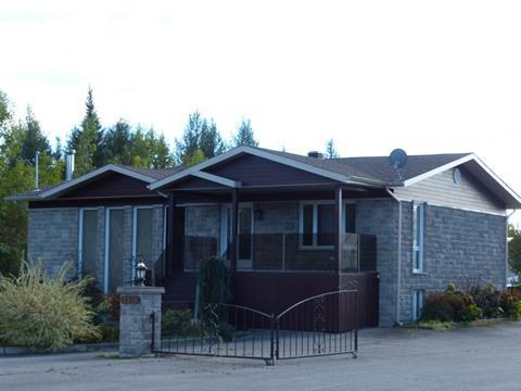 Bâtisse commerciale à vendre à La Baie (Saguenay), Saguenay/Lac-Saint-Jean, 2915 - 2935, boulevard de la Grande-Baie Nord, 28165521 - Centris