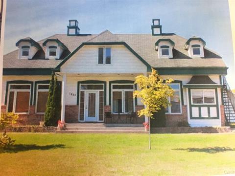Triplex à vendre à Saint-Georges-de-Clarenceville, Montérégie, 1837 - 1837B, Chemin  Lakeshore, 13956025 - Centris