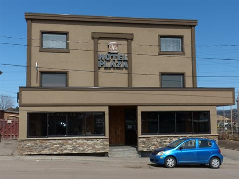 Commercial building for sale in La Baie (Saguenay), Saguenay/Lac-Saint-Jean, 1042 - 1082, Avenue du Port, 19585408 - Centris