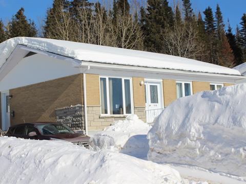 Duplex à vendre à Baie-Comeau, Côte-Nord, 114 - 116, Rue  Rouleau, 24850192 - Centris