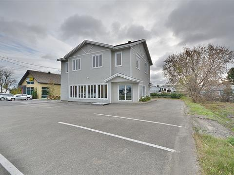 Bâtisse commerciale à louer à Sainte-Sophie, Laurentides, 2325 - 2327, boulevard  Sainte-Sophie, 10157670 - Centris
