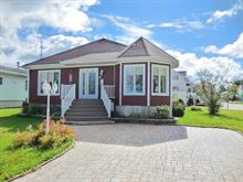 Maison à vendre à Saint-Jean-de-Dieu, Bas-Saint-Laurent, 5, Place  Parent, 24249469 - Centris