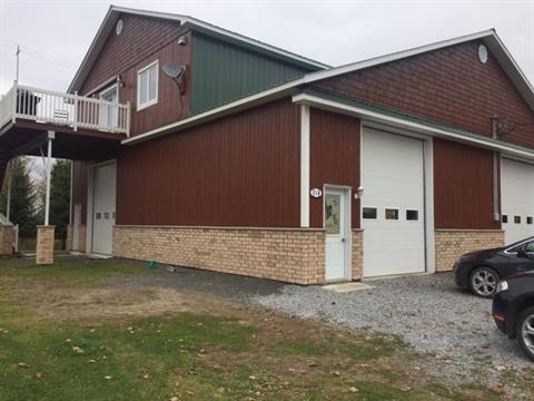Bâtisse commerciale à vendre à Durham-Sud, Centre-du-Québec, 318 - 320, 11e Rang, 27106959 - Centris