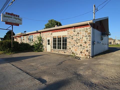 Duplex à vendre à Saint-Honoré, Saguenay/Lac-Saint-Jean, 3238 - 3240, boulevard  Martel, 20610455 - Centris