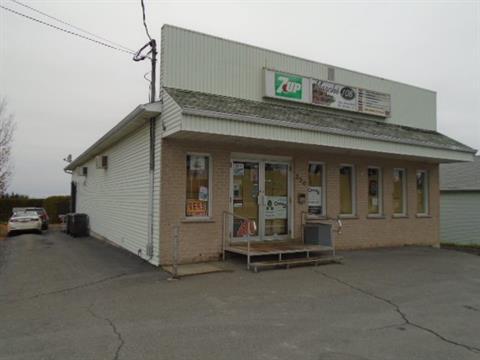Bâtisse commerciale à vendre à Stornoway, Estrie, 554A - 556, Route  108 Est, 22208333 - Centris