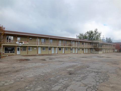 Bâtisse commerciale à vendre à Maniwaki, Outaouais, 149, Rue  Principale Sud, 22896620 - Centris