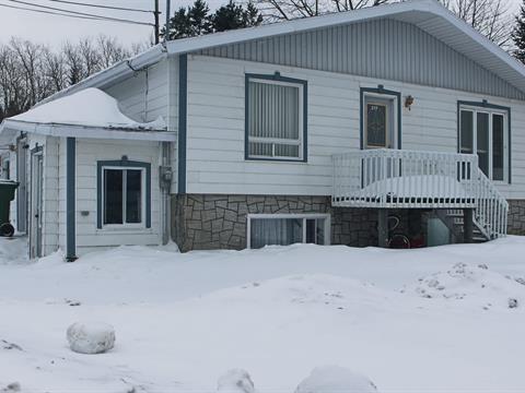 4plex for sale in Les Méchins, Bas-Saint-Laurent, 215 - 221, Route  Bellevue Ouest, 26932375 - Centris