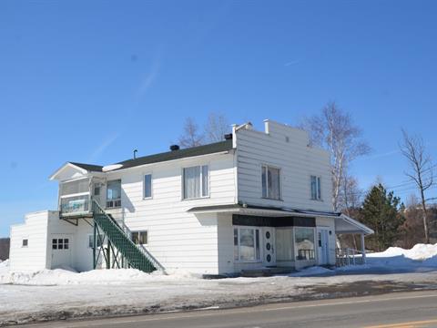 Duplex à vendre à Nouvelle, Gaspésie/Îles-de-la-Madeleine, 421, Route  132 Est, 15181231 - Centris