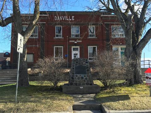 Commercial building for sale in Danville, Estrie, 52, Rue  Daniel-Johnson, 25891298 - Centris
