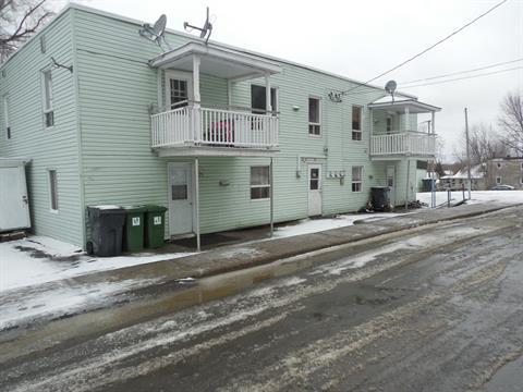 Quadruplex à vendre à Waterloo, Montérégie, 579 - 585, Rue  Eastern, 11898515 - Centris