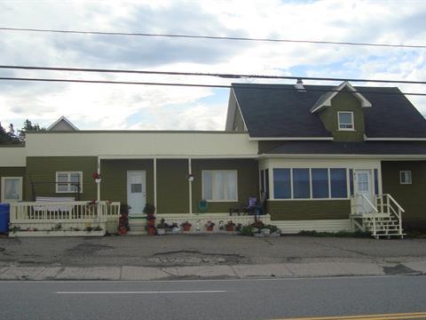 Quadruplex à vendre à Sainte-Anne-des-Monts, Gaspésie/Îles-de-la-Madeleine, 59A - 61B, boulevard  Perron Ouest, 22267618 - Centris
