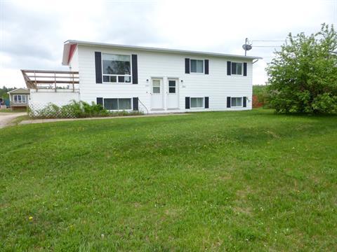 Duplex à vendre à Témiscaming, Abitibi-Témiscamingue, 261, Rue  Industrielle, 27704876 - Centris