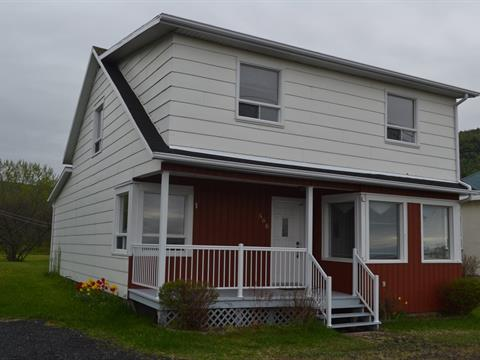 Maison à vendre à Rivière-à-Claude, Gaspésie/Îles-de-la-Madeleine, 568, Rue  Principale Est, 11689876 - Centris