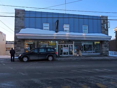 Bâtisse commerciale à vendre à Amqui, Bas-Saint-Laurent, 56, Rue du Pont, 24197969 - Centris