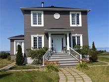 Maison à vendre à Trois-Pistoles, Bas-Saint-Laurent, 10, Place  Malenfant, 16124561 - Centris