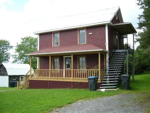 Duplex for sale in Rivière-Bleue, Bas-Saint-Laurent, 28A - B, Rue de la Frontière Ouest, 8607765 - Centris