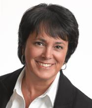 Manon Regaudie, Courtier immobilier
