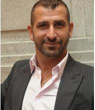 Mike Ainajian, Courtier immobilier
