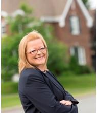 Lyne Lapierre, Courtier immobilier