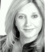 Maura Esposito, Courtier immobilier