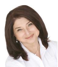 Nicki Lynn Ayoub, Courtier immobilier agréé
