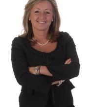 Theresa Tkalec, Courtier immobilier