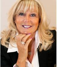 Julie Morielli, Courtier immobilier