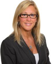 Louise Therrien, Courtier immobilier
