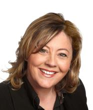Marleen Giroux, Courtier immobilier
