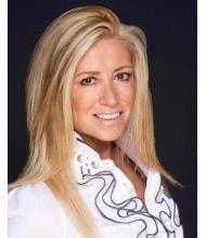 Debbie Sharif, Courtier immobilier