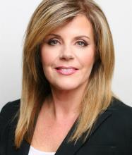 Maria Karagiannis, Courtier immobilier