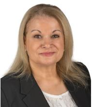 Hasna Bartakiz, Courtier immobilier