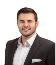 Javier Aguinaga, Courtier immobilier agréé