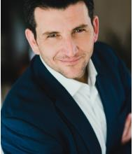 Johnathan Cloutier, Courtier immobilier