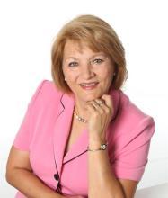Mariana Patas, Real Estate Broker