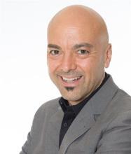 Roberto Garca, Real Estate Broker