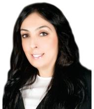 Vicki Kormas, Courtier immobilier