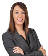 Annie Perreault, Courtier immobilier